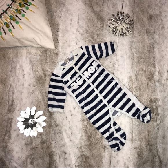 """Taille """"T. Zero"""" Velour Footsie Pajamas Size 0-1M"""